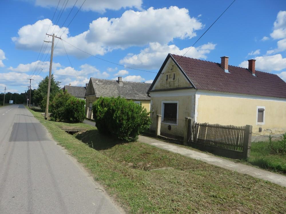 Auf dem platten Land, Ungarn