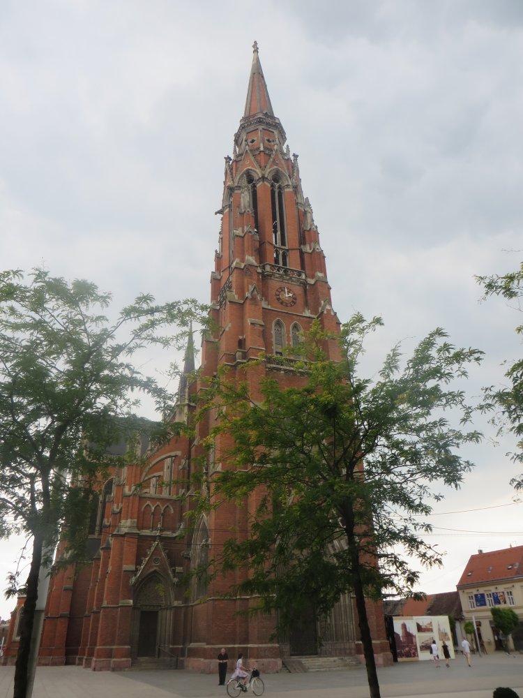 Zurück in Osijek, Hauptkirche